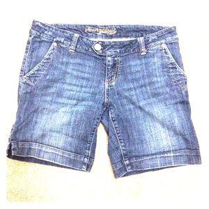 Vintage American Eagle midi shorts
